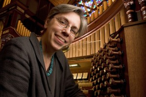 Organist Gail Archer Tours in Altoona, PA