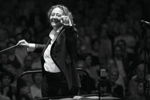 Nathalie Stutzmann conducts the RTÉ National Symphony Orchestra