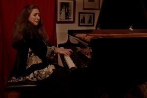 Pianist Simone Dinnerstein presented Duke Performances