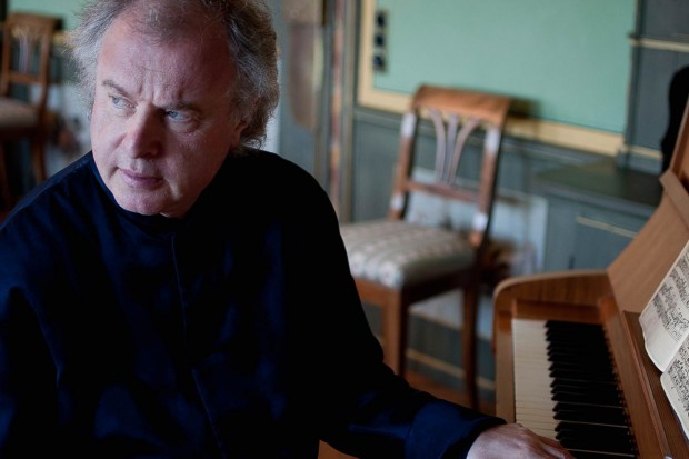Orchestra Of The Age Of Enlightenment / Sir András Schiff (conductor/piano)